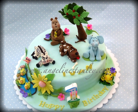 This Cake Is Specially Made For A 1 Year Old Baby Wait Till The Rest Of Kids Sees Colorful Animals What Goes 1st Usually Are Rather